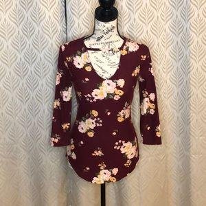 EUC ~ Burgundy Floral V-Neck 3/4 Sleeve Top